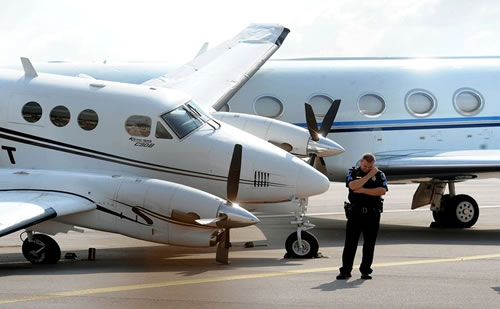 ASPEN, Colo. - Hillary Clinton got an unwelcome surprise when she flew on a donor's private King Air Turbo Prop from Denver to Aspen on a recent campaign stop.